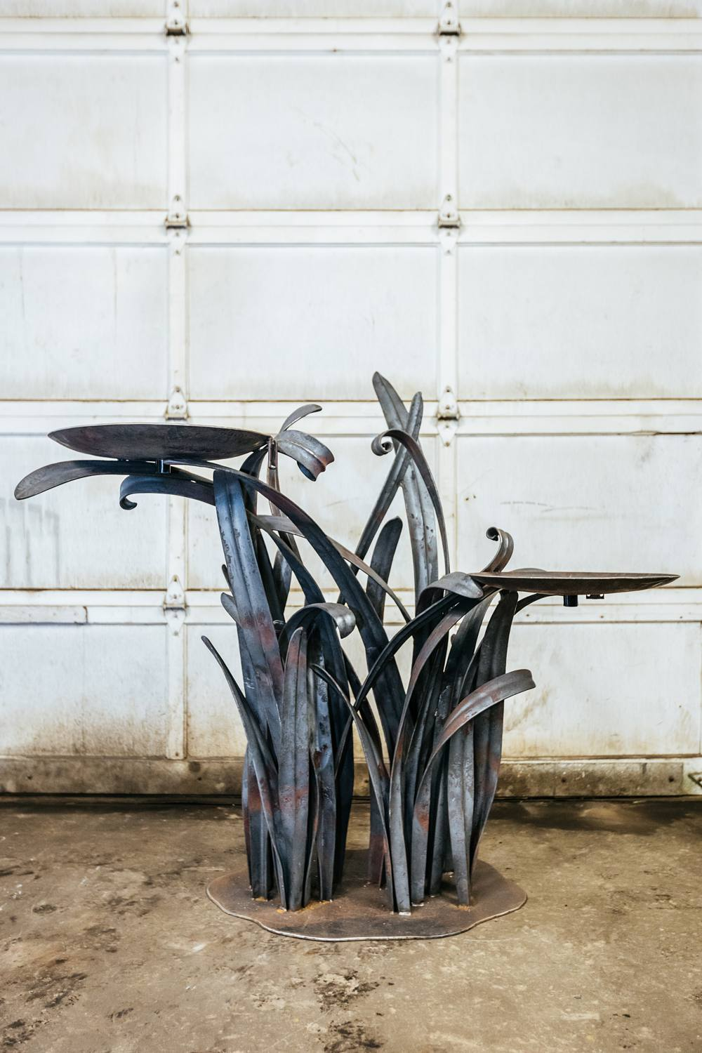 large-metal-water-fountain-large-blades-of-grass